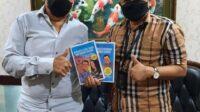 Ketua Koperasi Saudagar Minang Raya (SMR) Joinerri Kahar bersama Dr Aqua Dwipayana