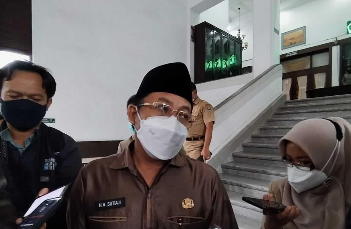 Wali Kota Malang, Sutiaji, menyayangkan adanya keterlibatan ASN Pemkot Malang.
