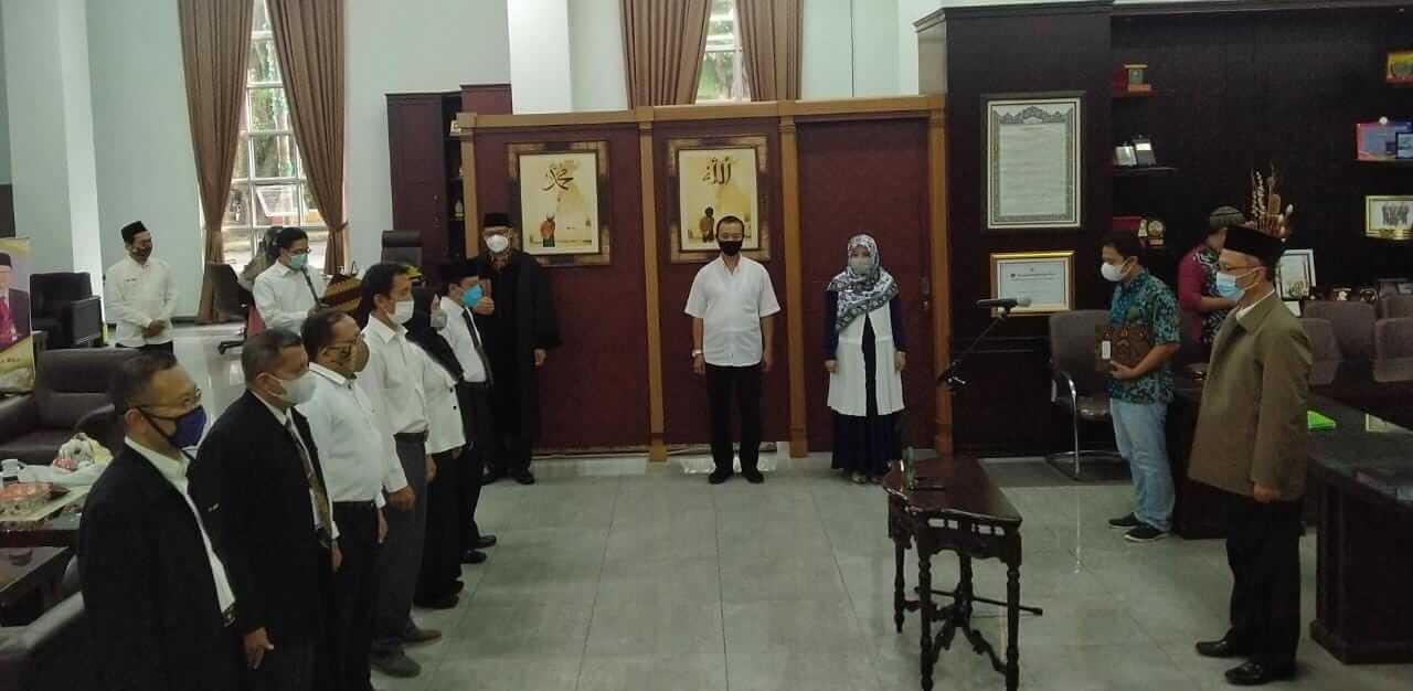 Rektor Universitas Islam Negeri Maulana Malik Ibrahim (UIN) Malang, Prof. Dr. Abdul Haris, M. Ag melantik 6 pejabat untuk 3 program studi (prodi) baru.