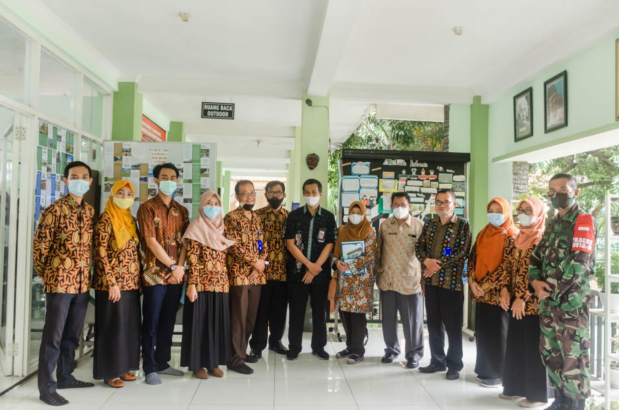 SMPN 4 Kepanjen Kabupaten Malang.