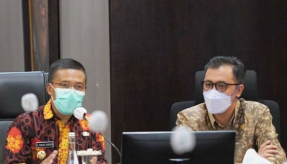 Wakil Wali Kota Batu, Punjul Santoso (kiri) dan Wali Kota Bukittinggi melakukan kunjungan kerja ke Balai Kota Among Tani, Kota Batu, Kamis (1/4/2021).