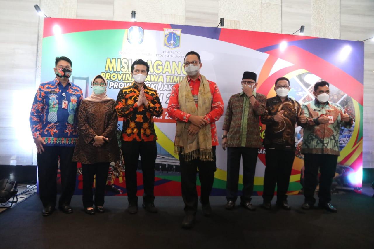 Wali Kota Malang Sutiaji (dua dari kanan) saat bersama Gubernur DKI Jakarta Anies Baswedan (tiga dari kanan) dalam Misi Dagang Provinsi Jawa Timur dengan Pemerintah Provinsi DKI Jakarta/ humas.