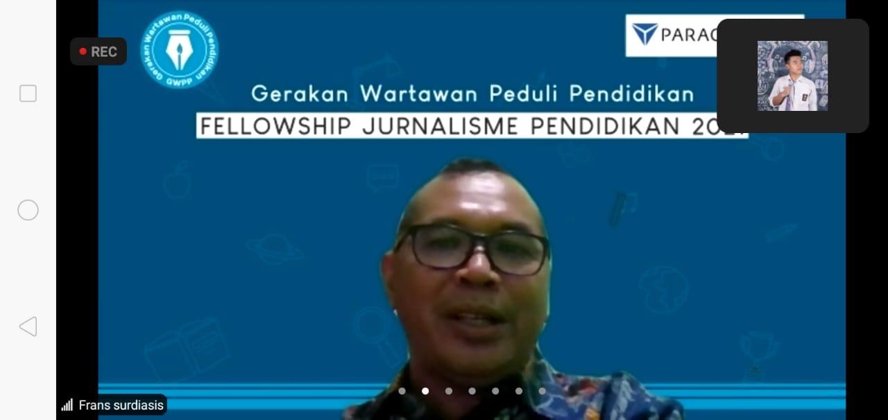 Kepala Litbang The Jakarta Post, Frans Surdiasis, saat Fellowship Jurnalisme Pendidikan Batch 2 yang digagas oleh Gerakan Wartawan Peduli Pendidikan (GWPP) dan PT Paragon Technology and Innovation pada Rabu (02/06/2021).